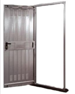 Porta zincata per cantina