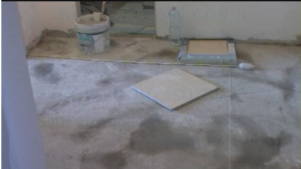 Come posare le piastrelle di un pavimento in diagonale con fuga da 2 mm - Le piastrelle del pavimento di un locale ...